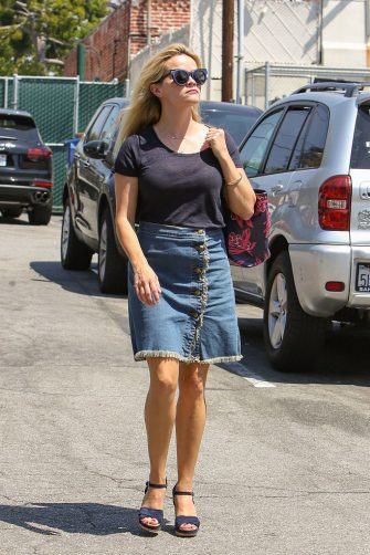 LOS ANGELES, CA - AUGUST 30: Reese Witherspoon is seen on August 30, 2016 in Los Angeles, California.  (Photo by BG004/Bauer-Griffin/GC Images)