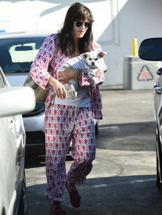 Selma Blair_colorful pants suit 100916 01
