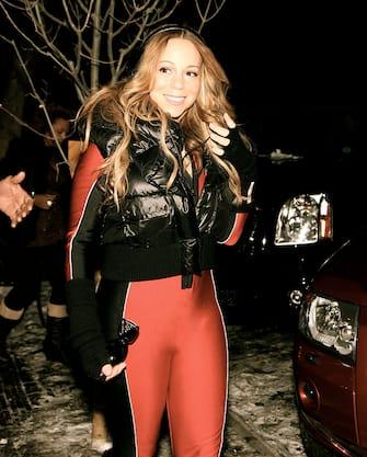 ASPEN, CO - DECEMBER 23:  (EXCLUSIVE COVERAGE) Mariah Carey walks around town on December 23, 2011 in Aspen, Colorado. Photo by Rachel McIntosh  (Photo by Fresh Air Fund/WireImage)