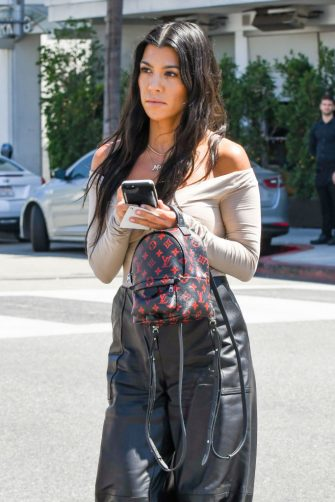 LOS ANGELES, CA - JUNE 16: Kourtney Kardashian is seen on June 16, 2017 in Los Angeles, California.  (Photo by BG002/Bauer-Griffin/GC Images)