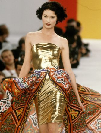 NEW YORK, NY - CIRCA 1994: Shalom Harlow at the Todd Oldham Spring 1995 show circa 1994 in New York City. (Photo by Barbara Rosen/IMAGES/Getty Images)