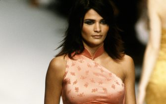 PARIS, FRANCE - CIRCA 1995: Helena Christensen at  the Chloe Spring 1996 show circa 1995 in Paris, France. (Photo by PL Gould/IMAGES/Getty Images)