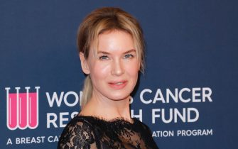 BEVERLY HILLS, CALIFORNIA - FEBRUARY 27: Renée Zellweger attends The Women's Cancer Research Fund's Unforgettable Evening 2020 at Beverly Wilshire, A Four Seasons Hotel on February 27, 2020 in Beverly Hills, California. (Photo by Tibrina Hobson/WireImage)