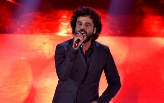 Italian singer Francesco Renga performs on stage at the Ariston theatre during the 69th Sanremo Italian Song Festival, Sanremo, Italy, 05 February 2019. The Festival runs from 05 to 09 February. ANSA/ETTORE FERRARI
