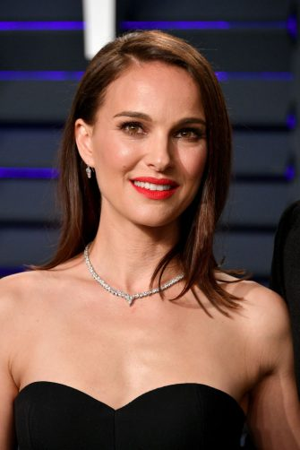 BEVERLY HILLS, CA - FEBRUARY 24:  Natalie Portman attends the 2019 Vanity Fair Oscar Party hosted by Radhika Jones at Wallis Annenberg Center for the Performing Arts on February 24, 2019 in Beverly Hills, California.  (Photo by Dia Dipasupil/Getty Images)