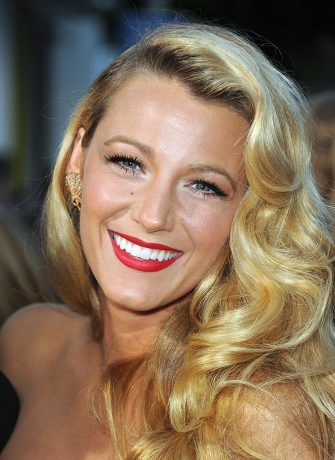 """LOS ANGELES, CA - JUNE 25:  Actress Blake Lively arrives at Premiere of Universal Pictures' """"Savages""""  at Westwood Village on June 25, 2012 in Los Angeles, California.  (Photo by Kevin Winter/Getty Images)"""