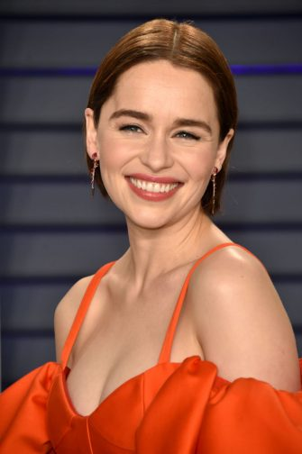 BEVERLY HILLS, CA - FEBRUARY 24:  Emilia Clarke attends the 2019 Vanity Fair Oscar Party hosted by Radhika Jones at Wallis Annenberg Center for the Performing Arts on February 24, 2019 in Beverly Hills, California.  (Photo by John Shearer/Getty Images)
