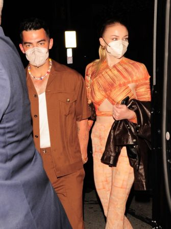 LOS ANGELES CA - APRIL 24: Singer Joe Jonas and Sophie Turner go to Craig's on April 24, 2021 in Los Angeles, California. (Photo by twoeyephotos/MEGA/GC Images)