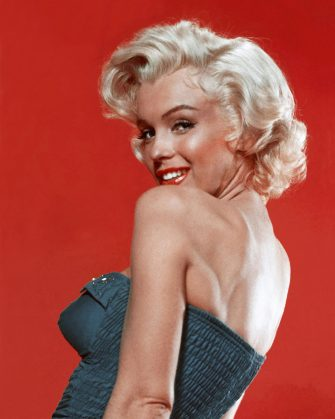 LOS ANGELES - 1953:  Actress Marilyn Monroe poses for a publicity still for the 20th Century Fox film 'How to Marry a Millionaire' in 1953 in Los Angeles, California. (Photo by Donaldson Collection/Michael Ochs Archives/Getty Images)