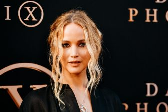 """HOLLYWOOD, CALIFORNIA - JUNE 04: (EDITORS NOTE: Image has been processed using digital filters) Jennifer Lawrence attends the premiere of 20th Century Fox's """"Dark Phoenix"""" at TCL Chinese Theatre on June 04, 2019 in Hollywood, California. (Photo by Matt Winkelmeyer/Getty Images)"""