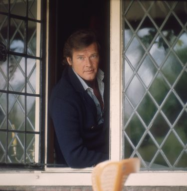 circa 1970:  English film star Roger Moore, best known for his roles as James Bond and The Saint.  (Photo by Keystone/Getty Images)