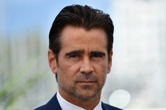 Irish actor Colin Farrell poses on May 24, 2017 during a photocall for the film 'The Beguiled' at the 70th edition of the Cannes Film Festival in Cannes, southern France.  / AFP PHOTO / Alberto PIZZOLI        (Photo credit should read ALBERTO PIZZOLI/AFP via Getty Images)