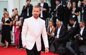 VENICE, ITALY - AUGUST 29:  Ryan Gosling walks the red carpet ahead of the opening ceremony and the 'First Man' screening during the 75th Venice Film Festival at Sala Grande on August 29, 2018 in Venice, Italy.  (Photo by Andreas Rentz/Getty Images)