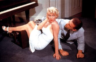 MARILYN MONROE & TOM EWELL in The Seven Year Itch *Editorial Use Only* www.capitalpictures.com sales@capitalpictures.com Supplied by Capital Pictures