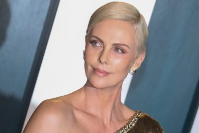 The Old Guard, il video-selfie di Charlize Theron