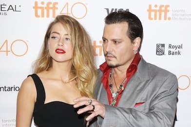 Johnny Depp ha scritto un messaggio ad Amber Heard con il suo sangue