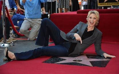 Buon compleanno Jane Lynch: com'è cambiata Sue Sylvester di Glee