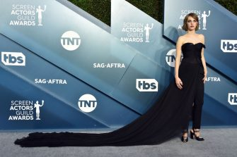 LOS ANGELES, CALIFORNIA - JANUARY 19: Maya Hawke attends the 26th Annual Screen Actors Guild Awards at The Shrine Auditorium on January 19, 2020 in Los Angeles, California. 721430 (Photo by Gregg DeGuire/Getty Images for Turner)