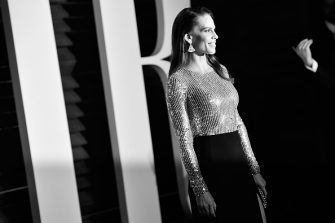 BEVERLY HILLS, CA - FEBRUARY 28:  EDITORS NOTE : This image has been converted to Black and White.  Actress Hilary Swank attends the 2016 Vanity Fair Oscar Party Hosted By Graydon Carter at the Wallis Annenberg Center for the Performing Arts on February 28, 2016 in Beverly Hills, California.  (Photo by Pascal Le Segretain/Getty Images)