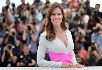 """US actress Hilary Swank poses during a photocall for the film """"The Homesman"""" at the 67th edition of the Cannes Film Festival in Cannes, southern France, on May 18, 2014.      AFP PHOTO / ALBERTO PIZZOLI        (Photo credit should read ALBERTO PIZZOLI/AFP via Getty Images)"""