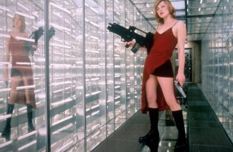 Mar 15, 2002; Hollywood, CA, USA; Actress MILLA JOVOVICH as Alice in 'Resident Evil.'Mandatory Credit: Photo by Sony Pictures/ZUMA Press.(©) Copyright 2002 by Sony Pictures