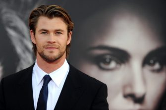 Actor Chris Hemsworth arrives at the premiere of Thor in Hollywood, California on May 2, 2011. AFP PHOTO / GABRIEL BOUYS (Photo credit should read GABRIEL BOUYS/AFP via Getty Images)