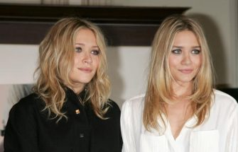 """NEW YORK - OCTOBER 28:  Mary-Kate Olsen and Ashley Olsen sign copies of """"Influence"""" at Barnes & Noble Union Square on October 28, 2008 in New York City.  (Photo by Jim Spellman/WireImage)"""