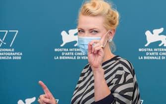 Cate Blanchett mascherina Venezia 77