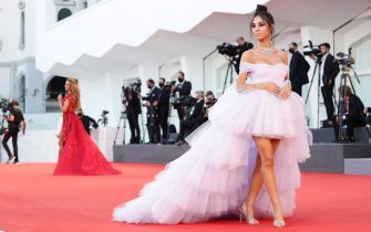 """VENICE, ITALY - SEPTEMBER 03: Giulia De Lellis walks the red carpet ahead of the movie """"Amants"""" at the 77th Venice Film Festival at  on September 03, 2020 in Venice, Italy. (Photo by Vittorio Zunino Celotto/Getty Images)"""