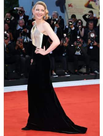 VENICE, ITALY - SEPTEMBER 01:  Cate Blanchett walks the red carpet ahead of the 'Suspiria' screening during the 75th Venice Film Festival at Sala Grande on September 1, 2018 in Venice, Italy.  (Photo by Daniele Venturelli/Daniele Venturelli/WireImage)