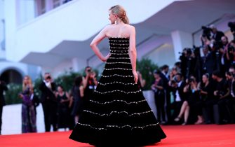 """VENICE, ITALY - AUGUST 31: Cate Blanchett walks the red carpet ahead of the """"Joker"""" screening during the 76th Venice Film Festival at Sala Grande on August 31, 2019 in Venice, Italy. (Photo by Franco Origlia/Getty Images)"""