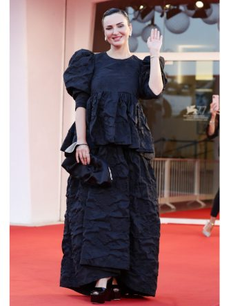 """VENICE, ITALY - SEPTEMBER 04: Arisa walks the red carpet ahead of the movie """"Padrenostro"""" at the 77th Venice Film Festival at  on September 04, 2020 in Venice, Italy. (Photo by Vittorio Zunino Celotto/Getty Images)"""