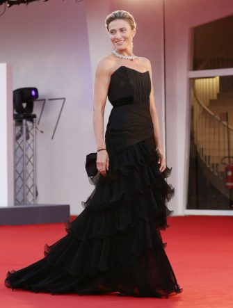 """VENICE, ITALY - SEPTEMBER 04: Anna Foglietta walks the red carpet ahead of the movie """"Padrenostro"""" at the 77th Venice Film Festival at  on September 04, 2020 in Venice, Italy. (Photo by Vittorio Zunino Celotto/Getty Images)"""