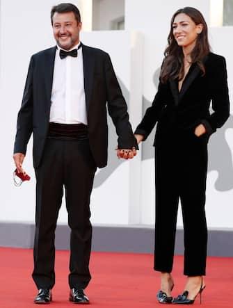 "VENICE, ITALY - SEPTEMBER 04: Matteo Salvini and Francesca Verdini walk the red carpet ahead of the movie ""Padrenostro"" at the 77th Venice Film Festival at  on September 04, 2020 in Venice, Italy. (Photo by Vittorio Zunino Celotto/Getty Images)"