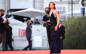 """VENICE, ITALY - SEPTEMBER 05: Cristiana Capotondi walks the red carpet ahead of the movie """"Miss Marx"""" at the 77th Venice Film Festival on September 05, 2020 in Venice, Italy. (Photo by Vittorio Zunino Celotto/Getty Images)"""