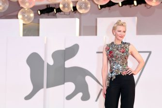 """VENICE, ITALY - SEPTEMBER 03: Cate Blanchett walks the red carpet ahead of the movie """"Amants"""" at the 77th Venice Film Festival at  on September 03, 2020 in Venice, Italy. (Photo by Daniele Venturelli/WireImage,)"""