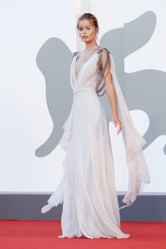 """VENICE, ITALY - SEPTEMBER 03: Frida Aasen walks the red carpet ahead of the movie """"Amants"""" at the 77th Venice Film Festival at  on September 03, 2020 in Venice, Italy. (Photo by Vittorio Zunino Celotto/Getty Images)"""
