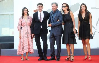 """VENICE, ITALY - SEPTEMBER 11: (-LR) Maria Castellitto, Pietro Castellitto, Sergio Castellitto, Margaret Mazzantini and Anna Castellitto walk the red carpet ahead of the movie """"I Predatori"""" at the 77th Venice Film Festival on September 11, 2020 in Venice, Italy. (Photo by Elisabetta Villa/Getty Images)"""