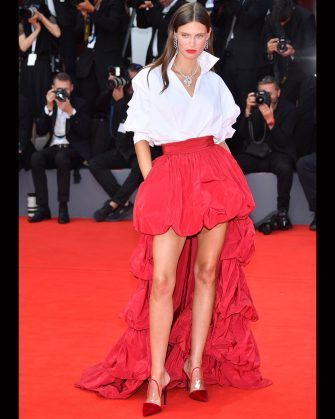 VENICE, ITALY - SEPTEMBER 02:  Bianca Balti  walks the red carpet ahead of the 'The Sisters Brothers' screening during the 75th Venice Film Festival at Sala Grande on September 2, 2018 in Venice, Italy.  (Photo by Stephane Cardinale - Corbis/Corbis via Getty Images)