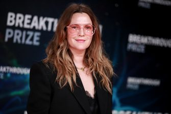 MOUNTAIN VIEW, CALIFORNIA - NOVEMBER 03: Drew Barrymore attends the 8th Annual Breakthrough Prize Ceremony at NASA Ames Research Center on November 03, 2019 in Mountain View, California. (Photo by Rich Fury/Getty Images)