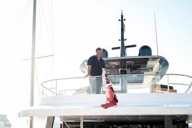 Gabriele Muccino racconta dallo yacht un amore a distanza