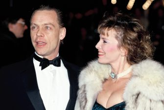 LONDON, UNITED KINGDOM - FEBRUARY 11:  Actor Mark Hamill, best known for starring as Luke Skywalker in the Star Wars saga, and his wife Marilou York attend a premiere on February 11, 1989 in London, England.  (Photo by Georges De Keerle/Getty Images)