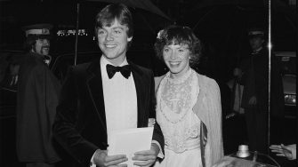 American actor Mark Hamill and his wife Marilou York attend the royal premiere of 'The Empire Strikes Back' at the Odeon Leicester Square, London, UK, 20th May 1980. (Photo by Paul Thuaban/Keystone/Hulton Archive/Getty Images)