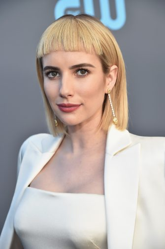 SANTA MONICA, CA - JANUARY 11:  Actor Emma Roberts attends The 23rd Annual Critics' Choice Awards at Barker Hangar on January 11, 2018 in Santa Monica, California.  (Photo by Kevin Mazur/WireImage)