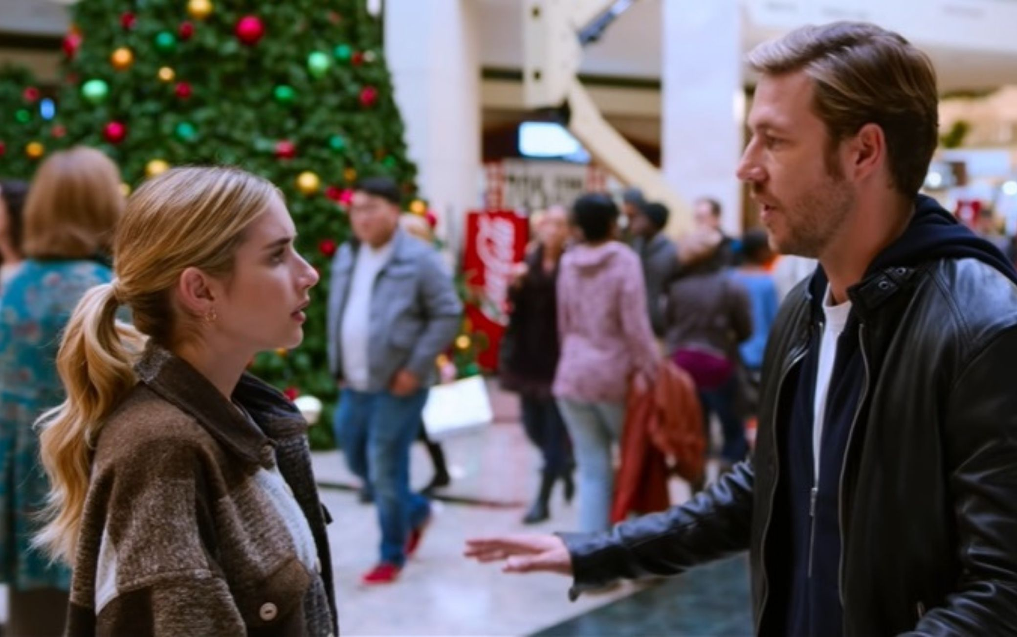 Holidate, è uscito il trailer con Emma Roberts