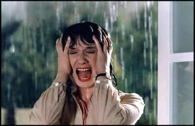 Addio a Daria Nicolodi, i suoi film più famosi. FOTO