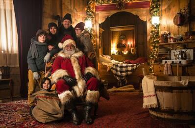 """""""10 giorni con Babbo Natale"""", risate e buoni sentimenti"""