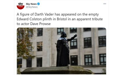 Bristol, una statua di Darth Vader installata nel centro della città