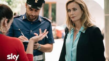 I Delitti del BarLume il cast: Lucia Mascino è Vittoria