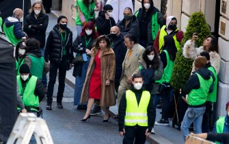 Lady Gaga (L) and Al Pacino in via Condotti on set during the shooting of the film 'House of Gucci' in Rome, Italy, 22 March 2021. The upcoming biopic crime movie directed by British filmmaker Ridley Scott is based on the 2001 book 'The House of Gucci: A Sensational Story of Murder, Madness, Glamor, and Greed' by Sara Gay Forden. ANSA/MASSIMO PERCOSSI